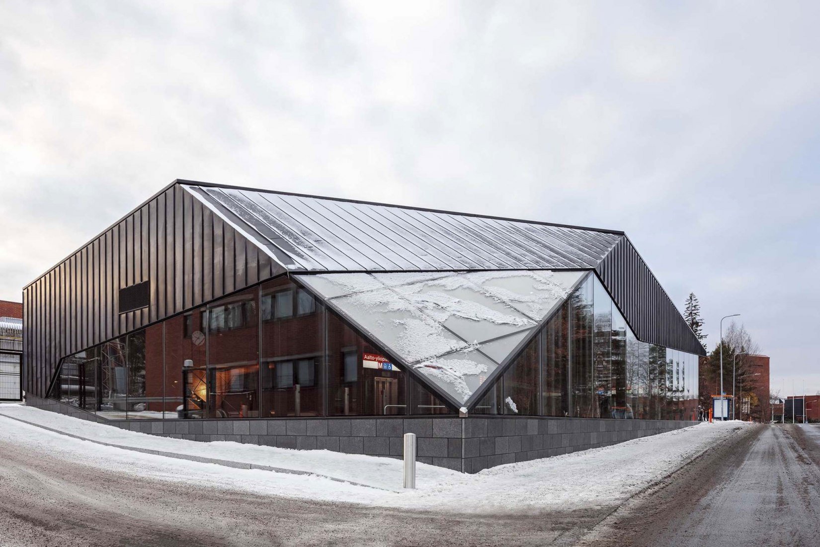 Exterior view. Aalto University Metro Station by ALA Architects + Esa Piironen Architects. Photograph © Tuomas Uusheimo