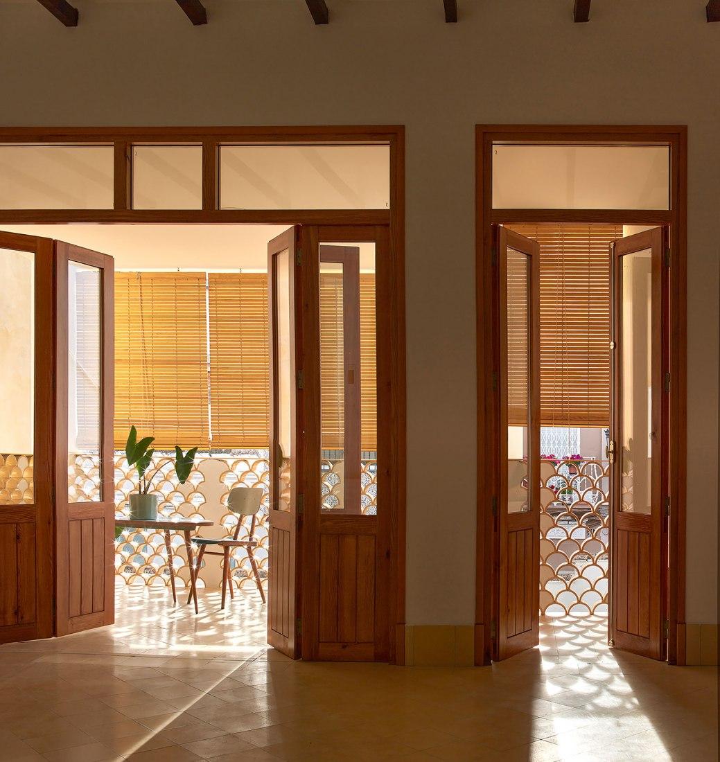 Lurbe House by Abalosllopis + Jordi Marset. Photograph by Mariela Apollonio.