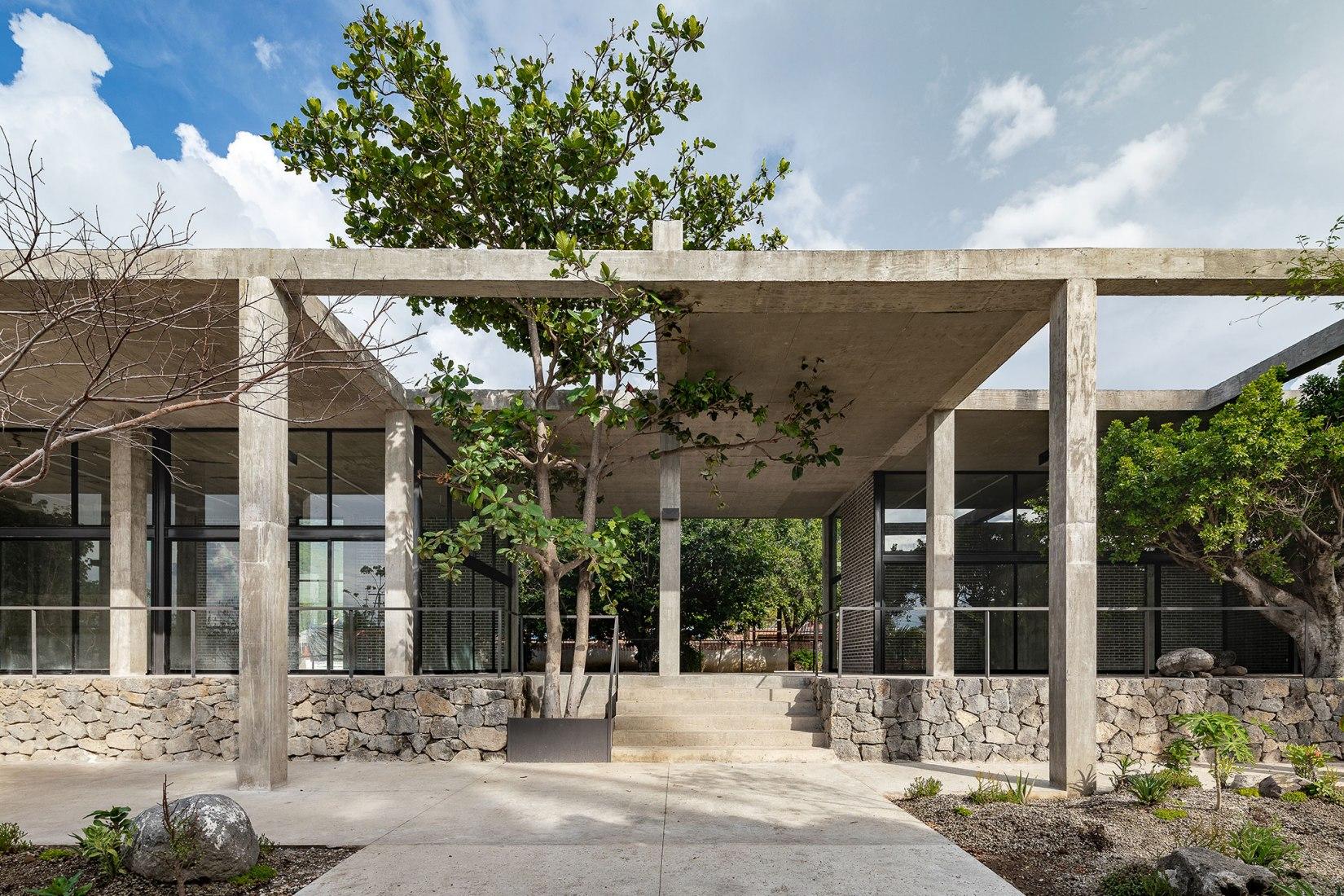Centro desarrollo comunitario parque El Higuerón por AGENdA y Dellekamp/Schleich. Fotografía por Onnis Luque
