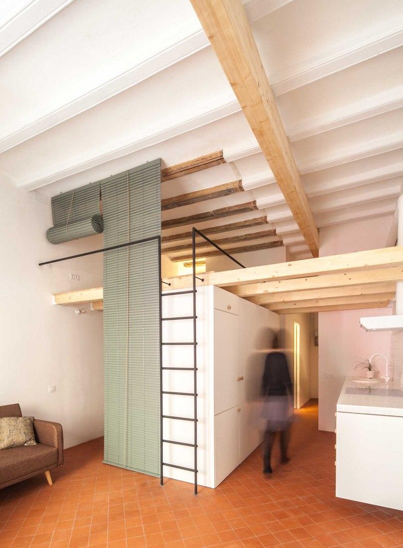 Casa entre Balcones por Ágora Arquitectura. Fotografía por Joan Casals Pañella
