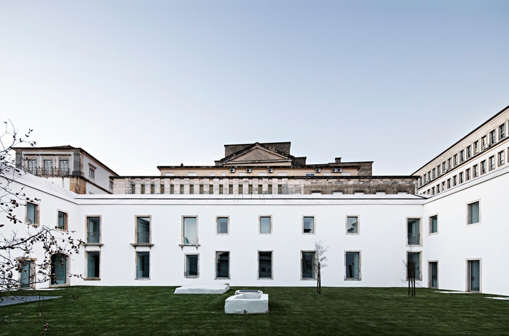 Renovación del Trinity College - Colegio Europeo por Aires Mateus. Fotografía © Nelson Garrido.