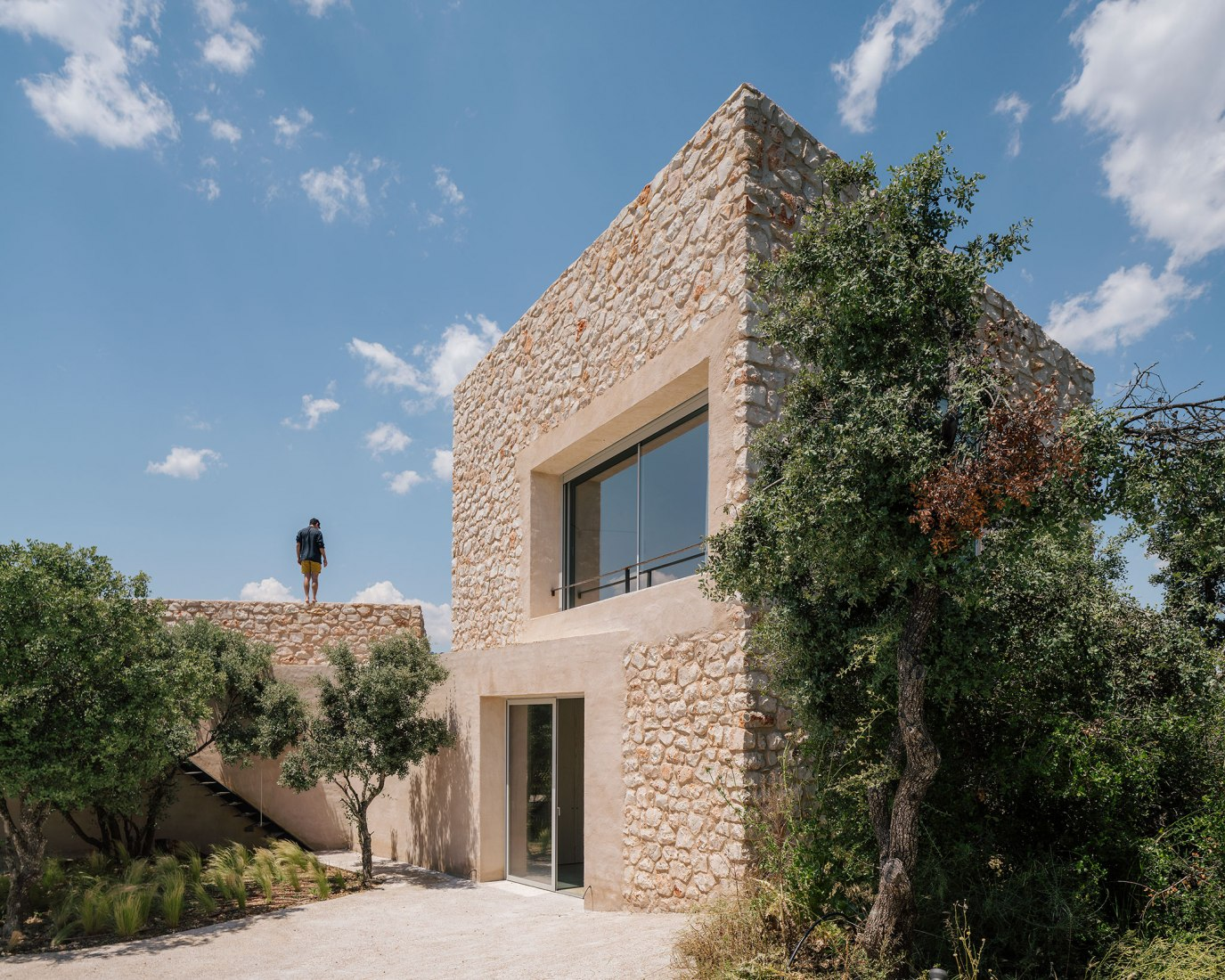 Villa Icaria by Arquitectura al descubierto. Photograph by Imagen Subliminal.