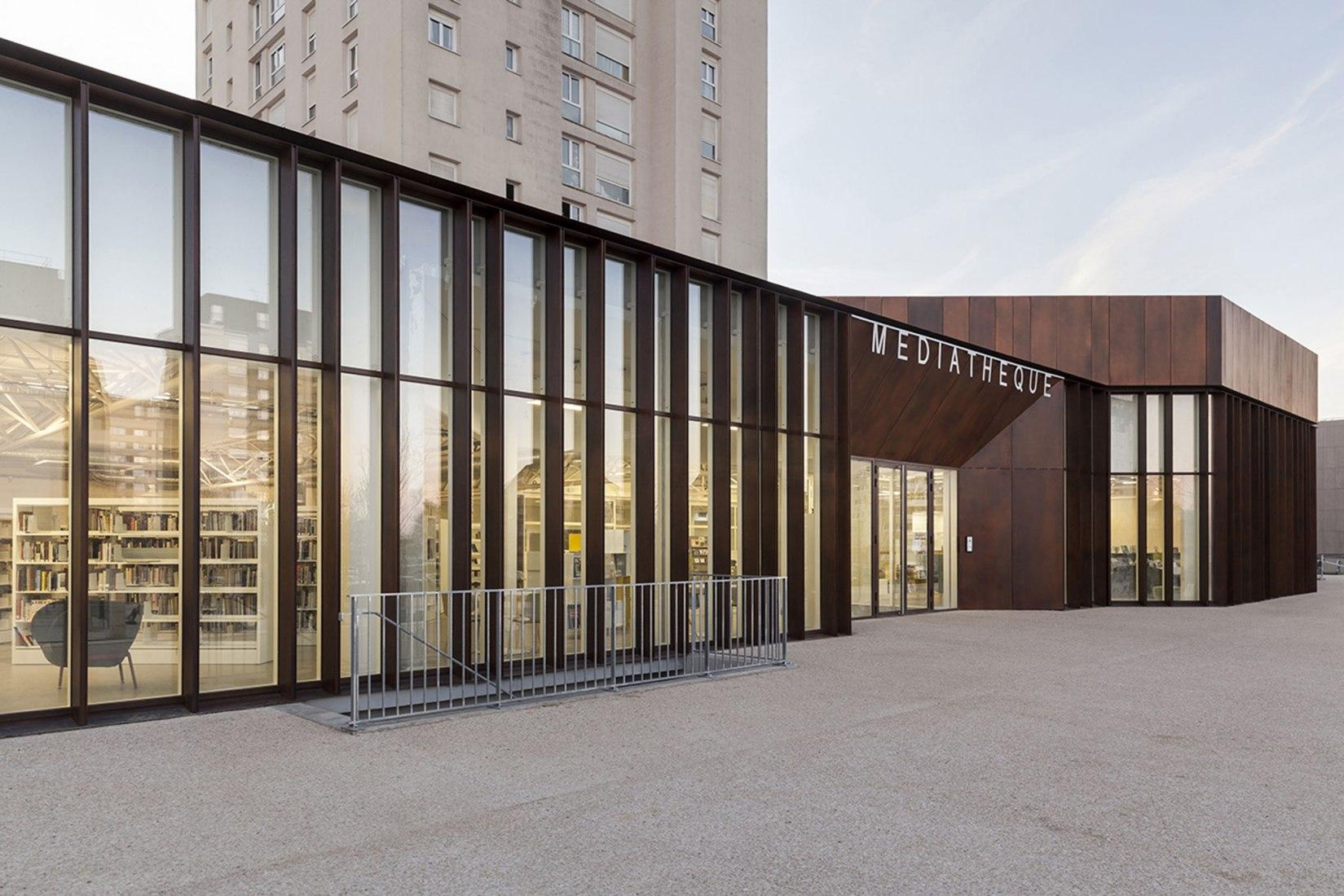 Renovación del Centro Comunitario Albert Schweitzer por MOA. Fotografía de Cyrille Lallement.