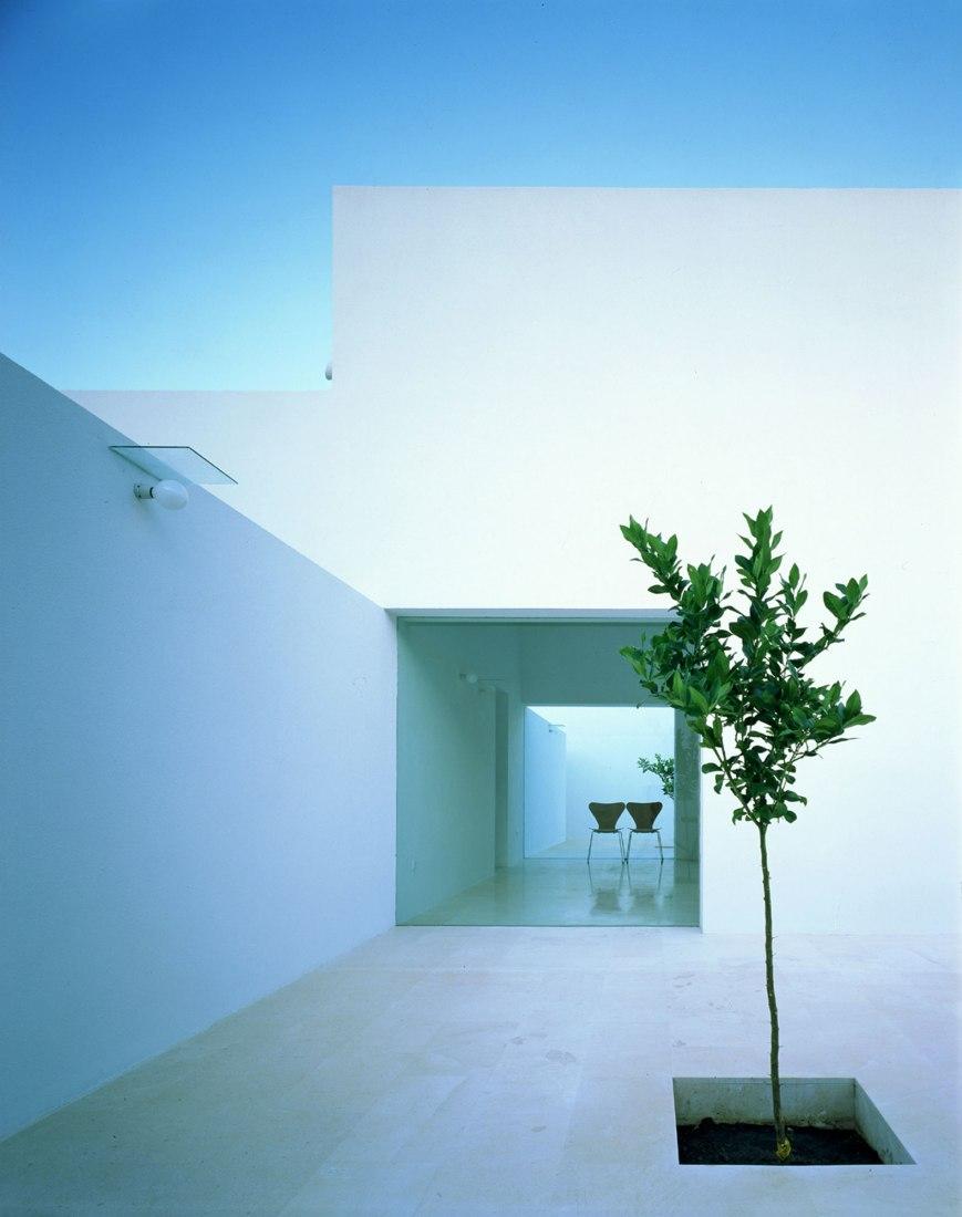 Casa Gaspar por Alberto Campo Baeza. Fotografía por Hisao Suzuki