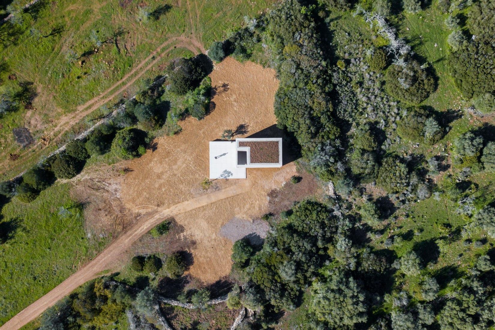 Vista de pajaro. Capela do Monte, la Capilla de la Ladera por Álvaro Siza. Fotografía por João Morgado