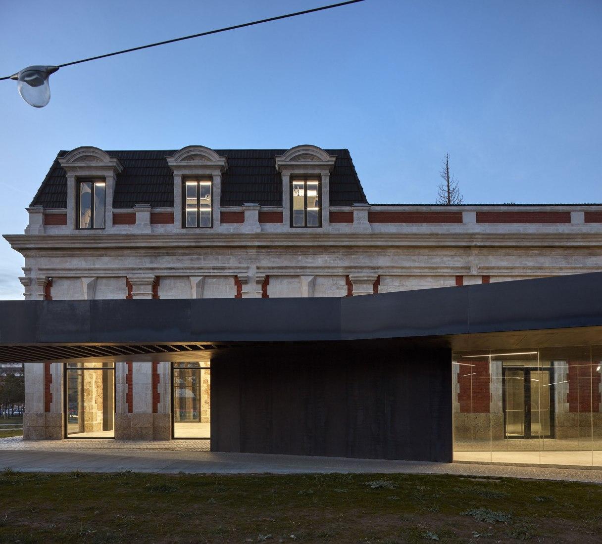 Rehabilitación de la antigua estación de ferrocarril de Burgos por Contell-Martínez Arquitectos. Fotografía © Mariela Apollonio