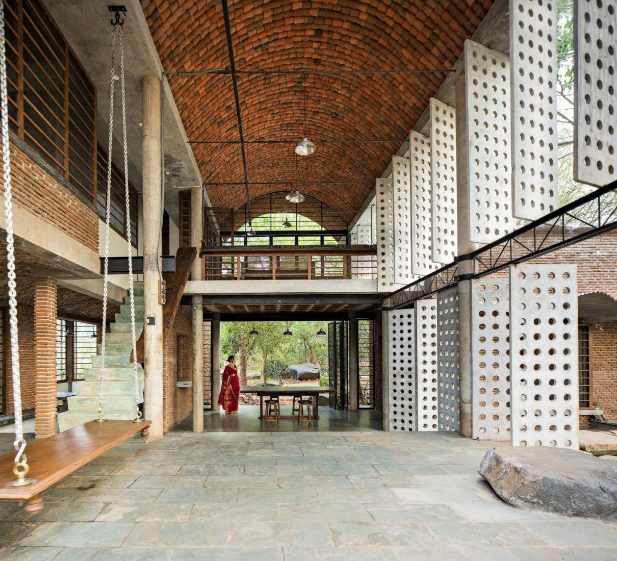 Casa Muro (Wall House) por Anupama Kundoo. Fotografía por Javier Callejas