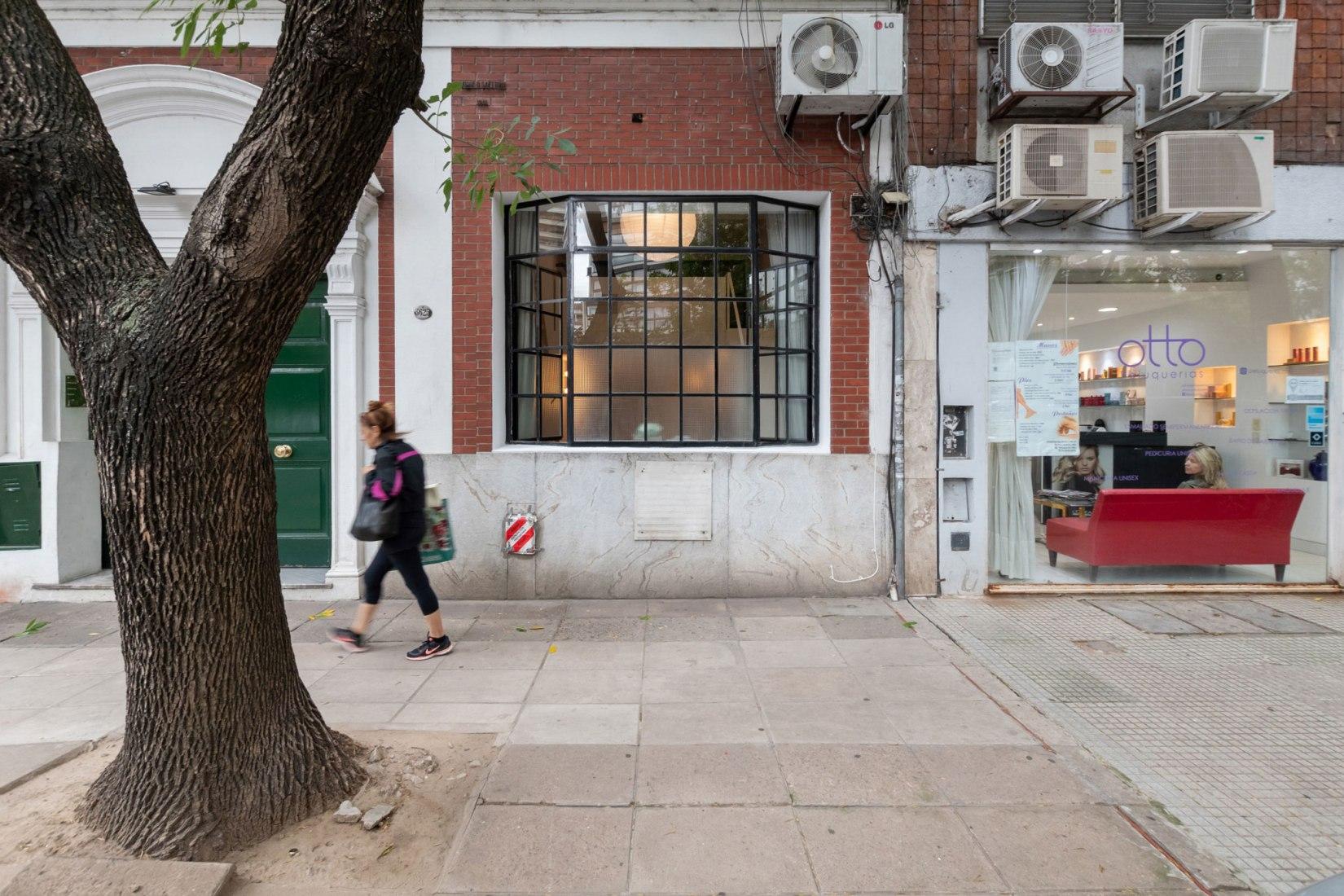 Apartamento Estudio Seguí por Carol Burton. Fotografía © Gonzalo Viramonte