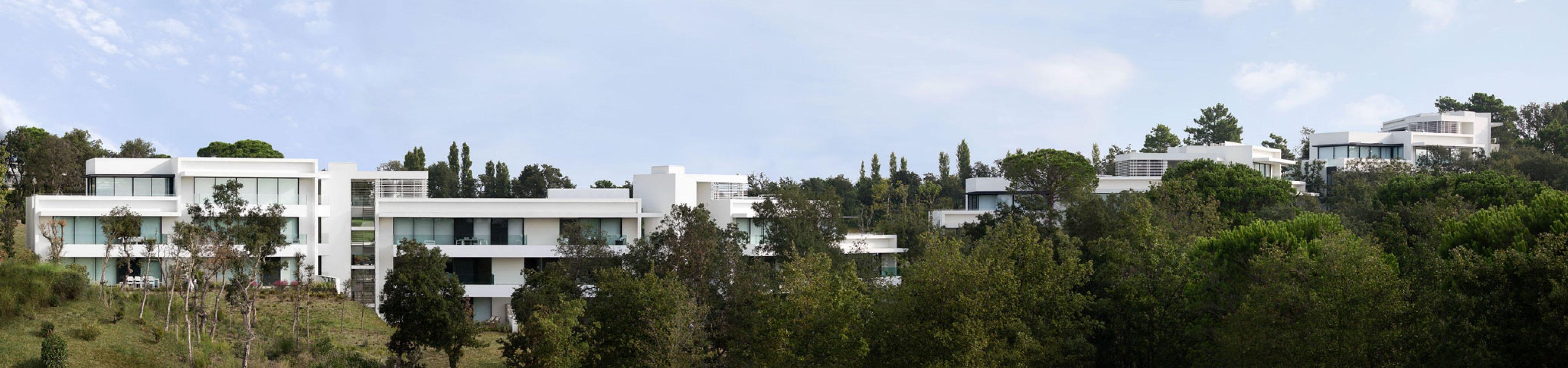 Apartamentos la selva por jaime prous arquitectos. Fotografía por Gael del Rio.