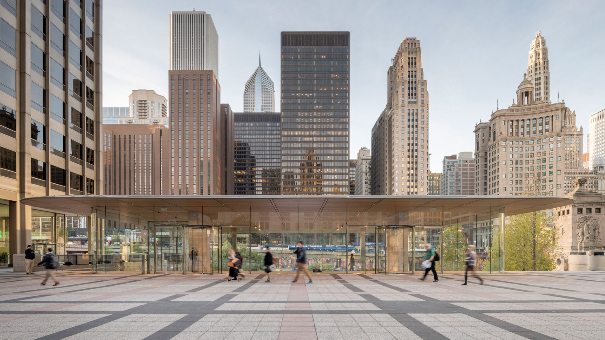 Apple Store Michigan Avenue, Chicago by Foster + Partners. Photograph © Nigel Young
