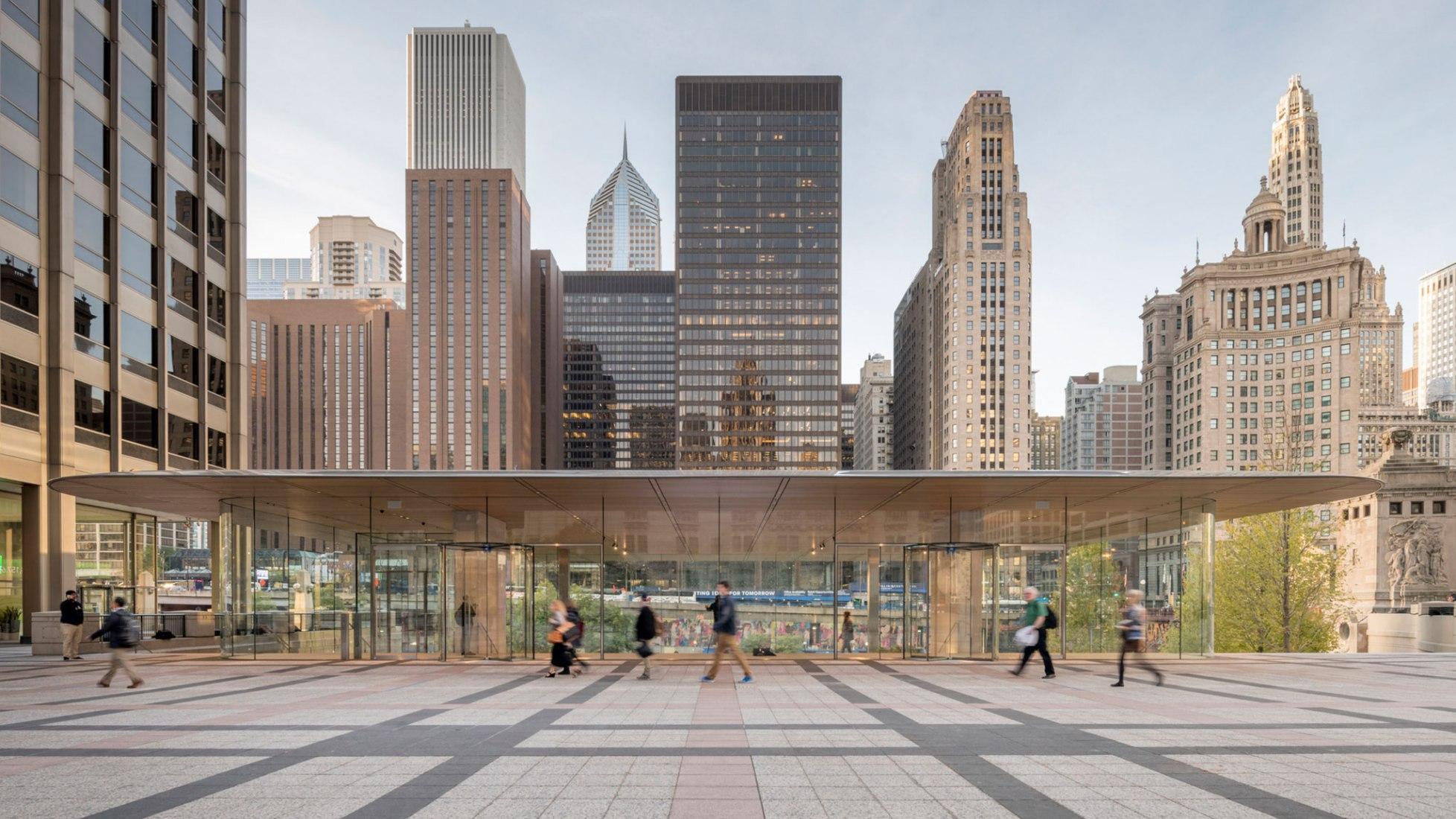 Tienda Apple en Michigan Avenue, por Foster + Partners. Fotografía © Nigel Young