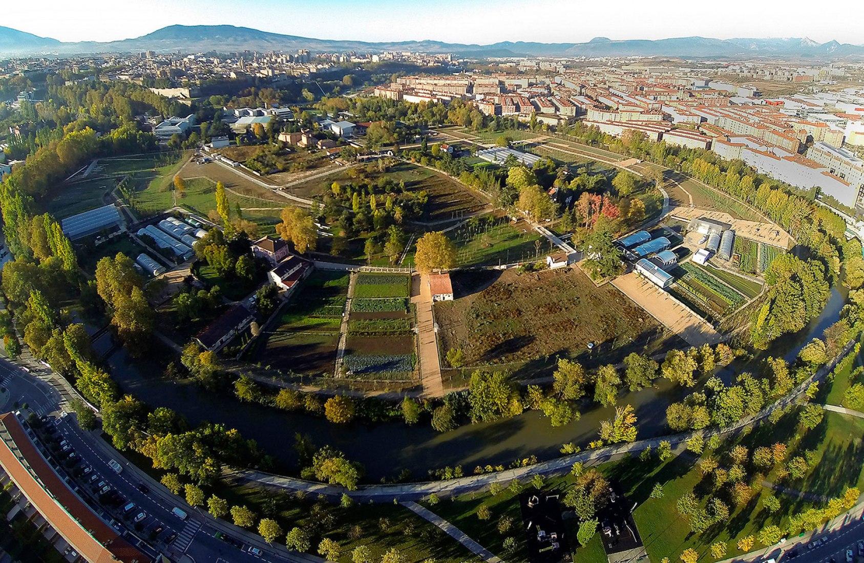 Vista aérea. Parque de Aranzadi por aldayjover Arquitectura y paisaje. Fotografía © Eduardo Berián, cortesía de aldayjover Architecture and Landscape.