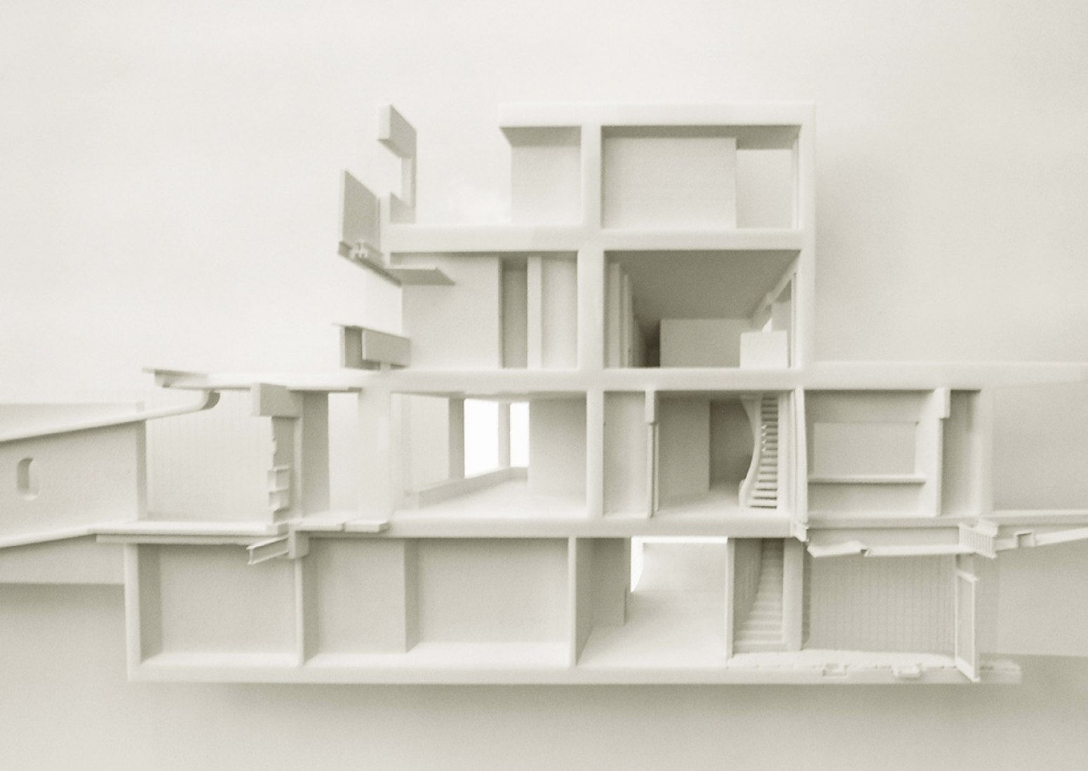 An analytical model of the Frank House by Walter Gropius and Marcel Breuer. Produced for the GSD option studio,