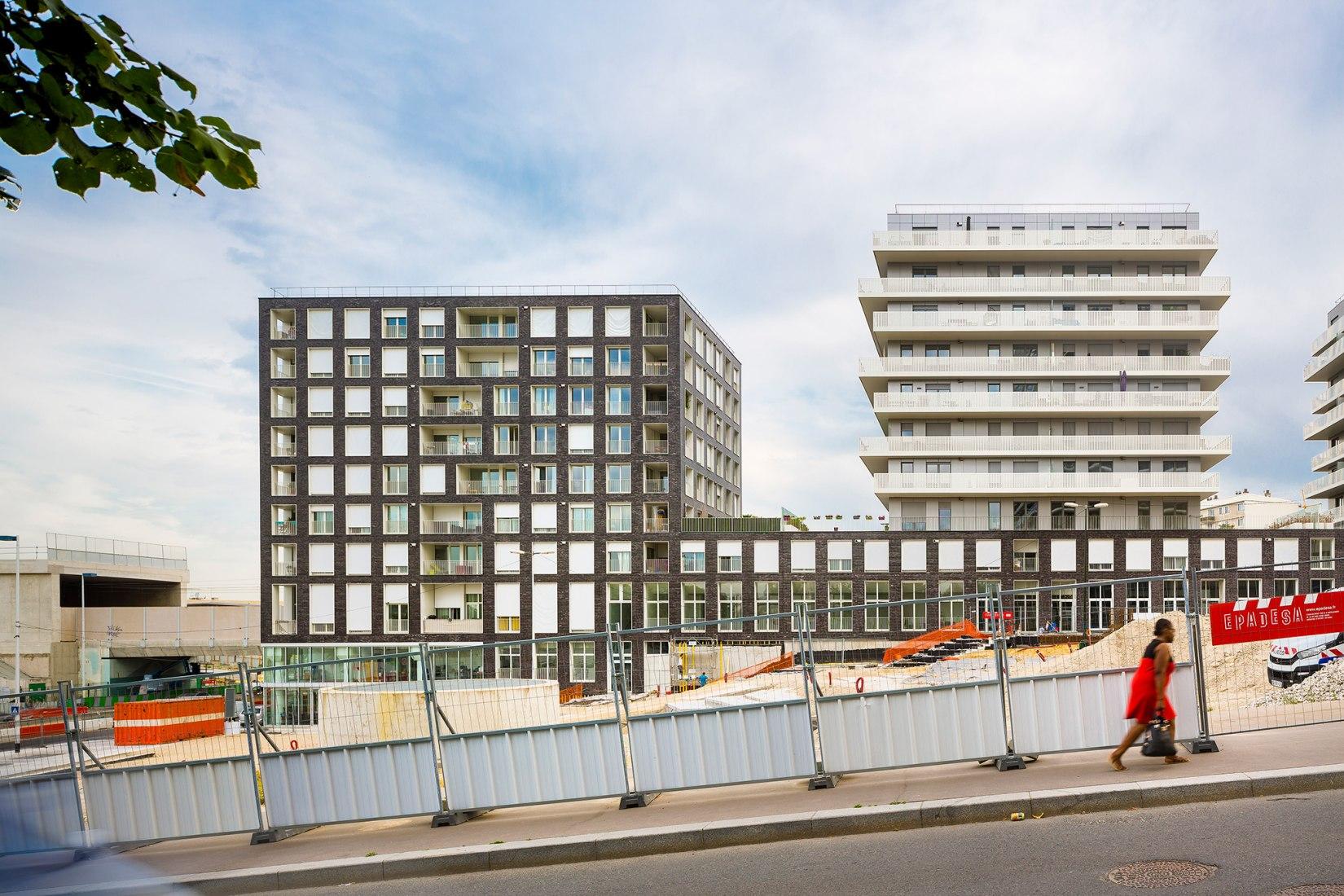 Terrace 9 viviendas y oficinas por AZC. Fotografía © Sergio Grazia