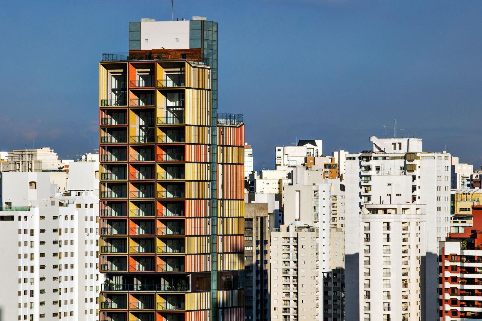 Exterior. Torre Forma Itaim por b720 Fermín Vázquez Arquitectos. Fotografía por Nelson Kon