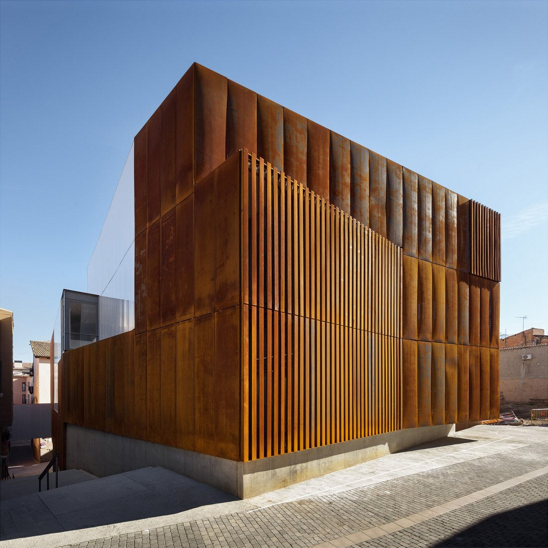 Law Court in Balaguer by Arquitecturia. Photograph © Pegenaute