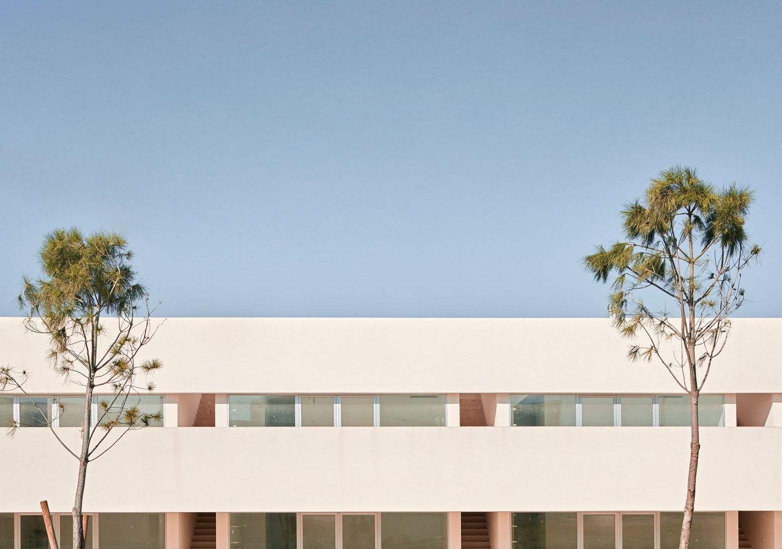 Residencial Mirasal por Balzar Arquitectos y Julia Alcocer. Fotografía por Mariela Apollonio