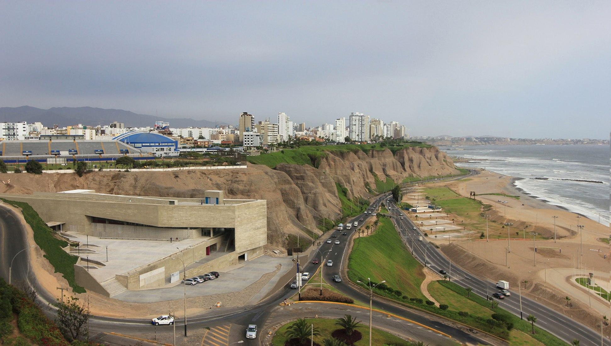 PROYECTO GANADOR. El lugar para la Memoria, por Estudio Lima SAC Barclay & Crousse, Peru. Fotografía © Cristobal Palma / Estudio Palma