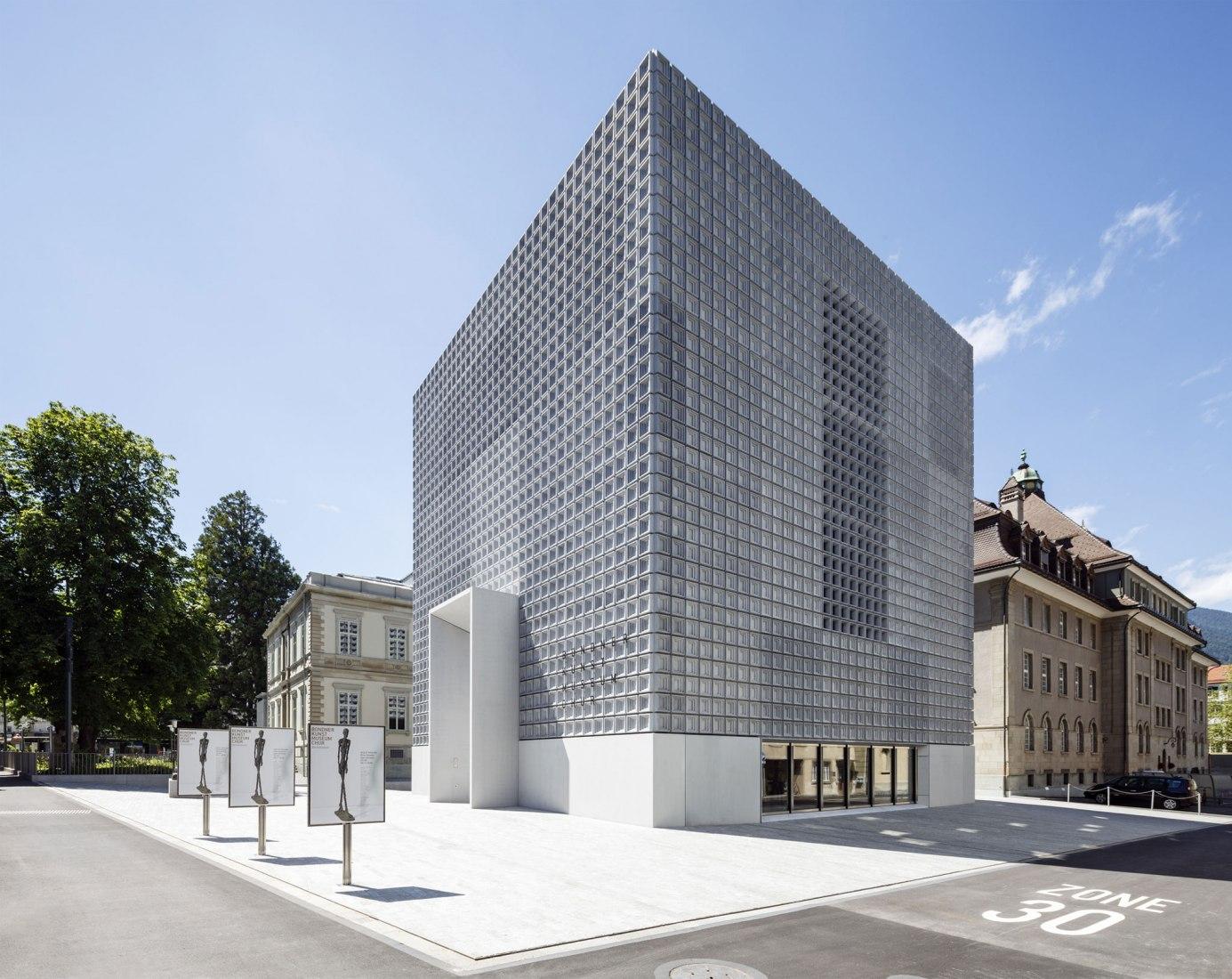 Exterior. The Bündner Kunstmuseum under the eyes of Marcela Grassi. Photograph by Marcela Grassi