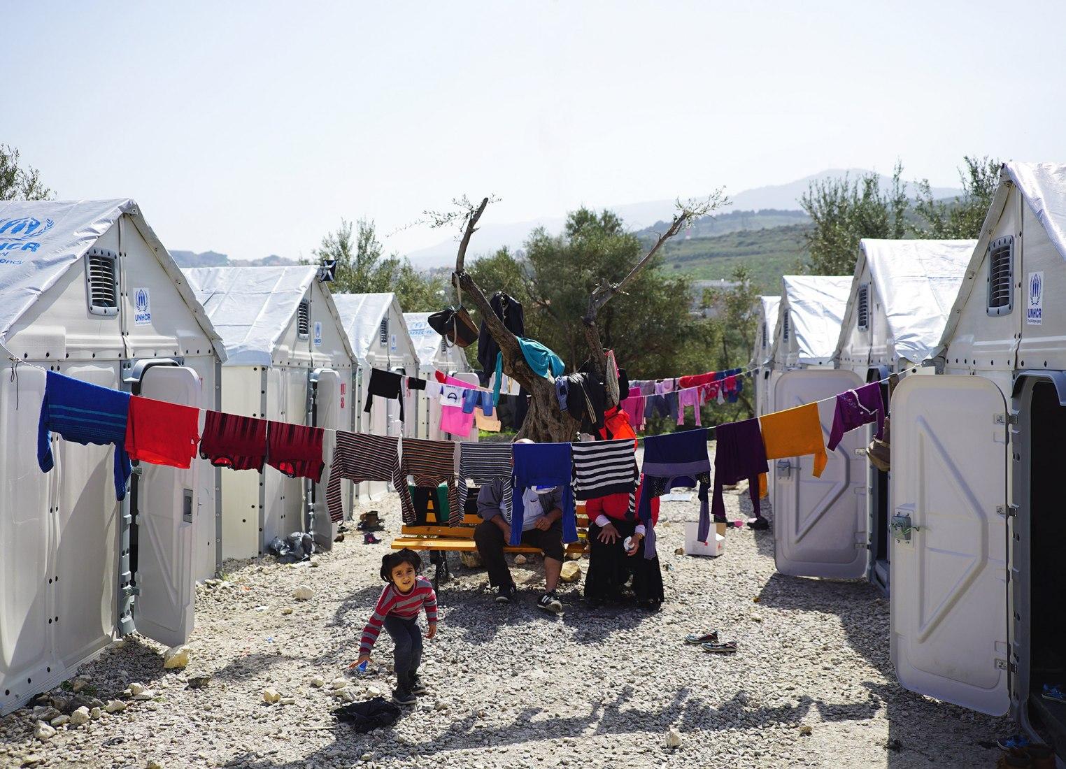 Flat-packed refugee shelter named best design of 2016 | The