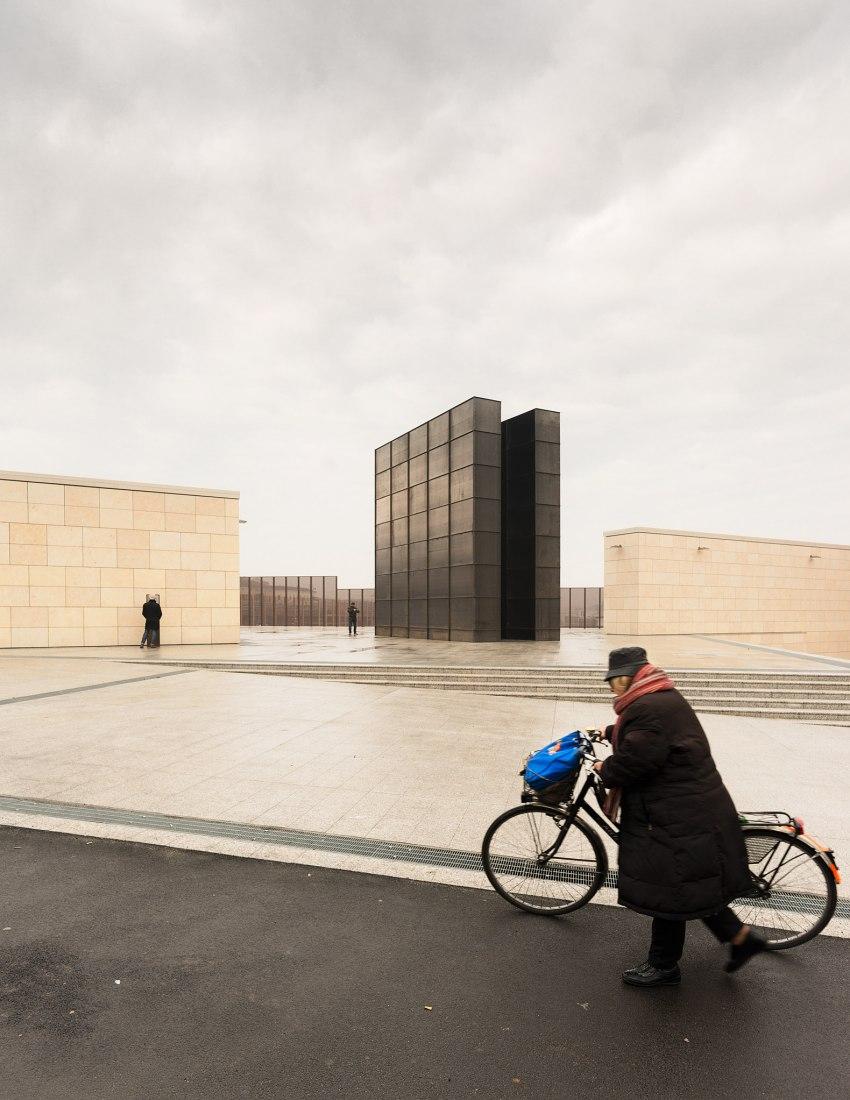 Bologna Shoah Memorial by SET. Photograph © Simone Bossi