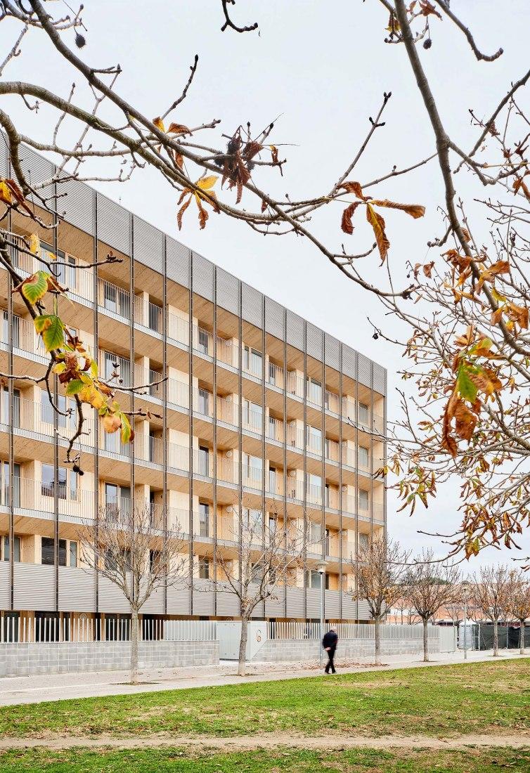 Bloque 6x6 por Bosch.Capdeferro Arquitectura. Fotografía por José Hevia