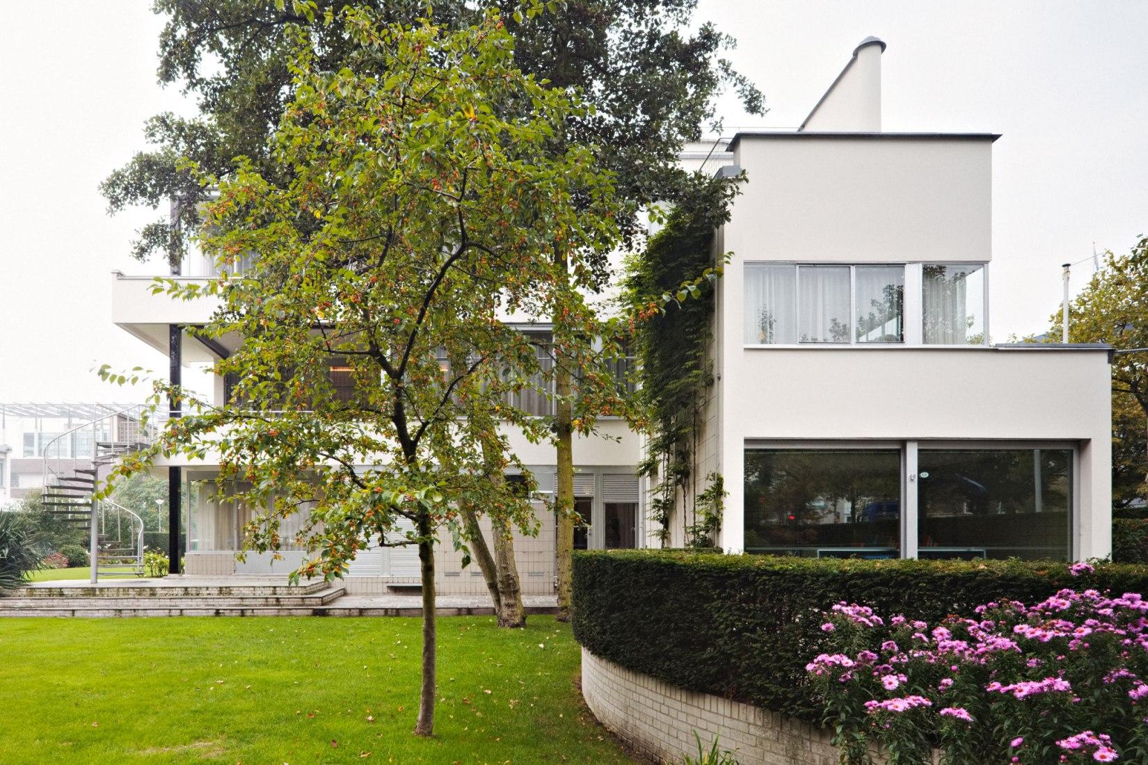 Sonneveld House by Brinkman & Van der Vlugt. Photograph by Johannes Schwartz.