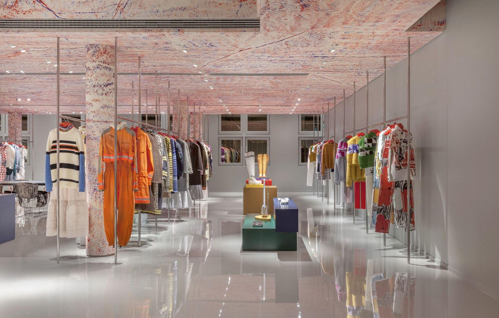Nueva sede de CALVIN KLEIN 205W39NYC en París, diseñada ...