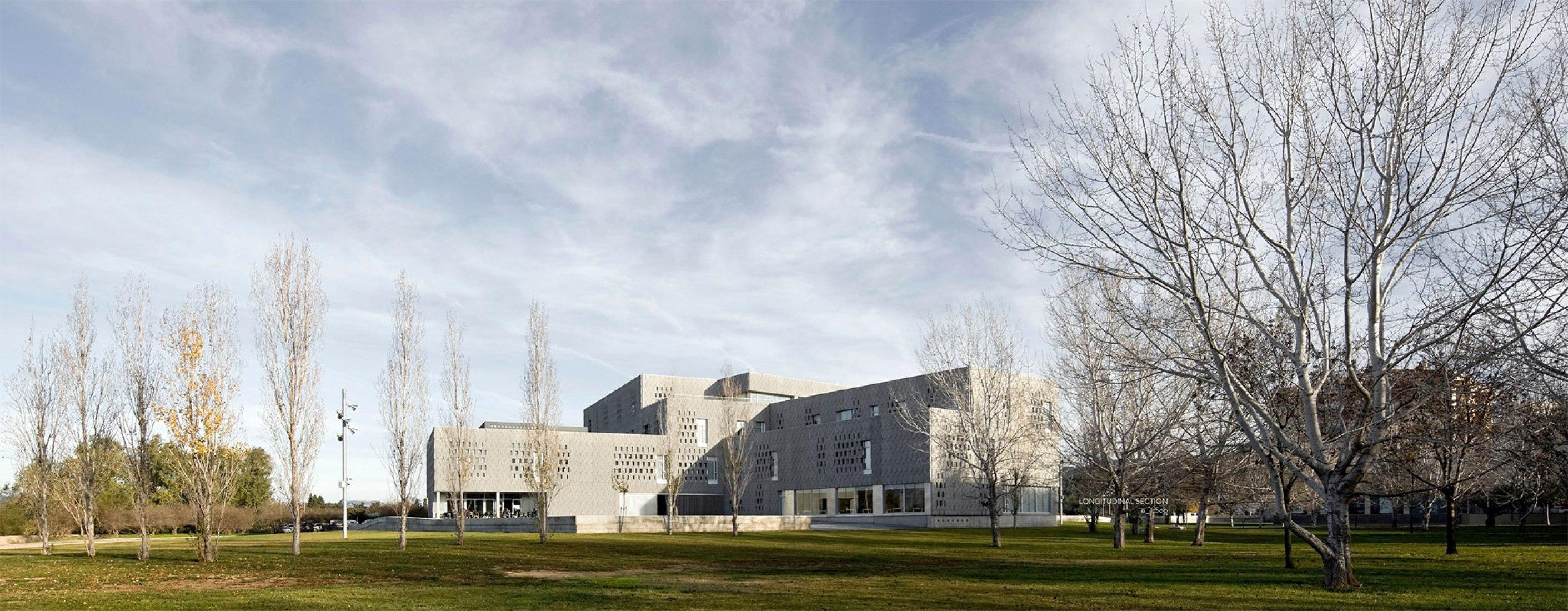 College Campus URV Tortosa by RavetllatRibas arquitectes and Josep Ferrando. Photograph © Pedro Pegenaute