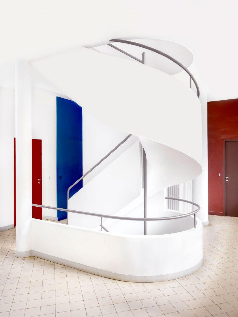 Villa Savoye [Le Corbusier - ©FLC/ADAGP] IV Poissy 2018. Impresión en color, 180 x 145 cm Ed. 2/6 © Candida Höfer. Imagen cortesía de Candifa Höfer y Galería Helga de Alvear
