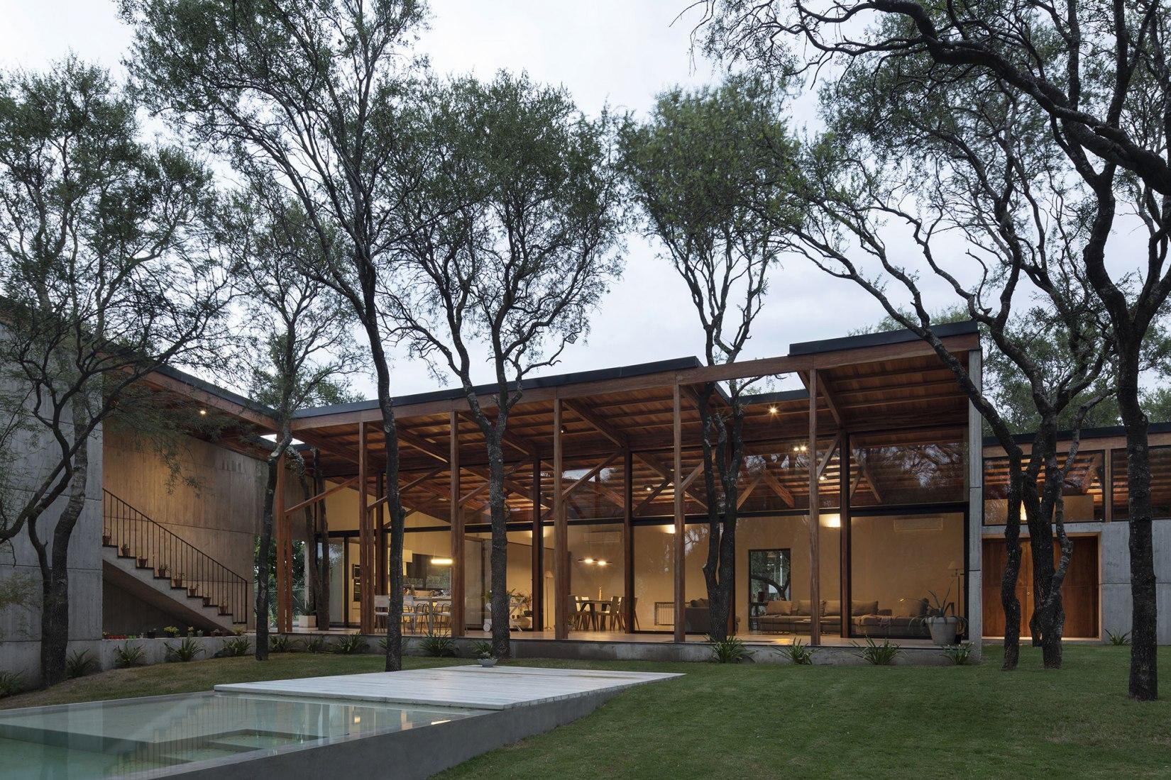 Casa BS por Alarcia Ferrer Arquitectos. Fotografía por Federico Cairoli.