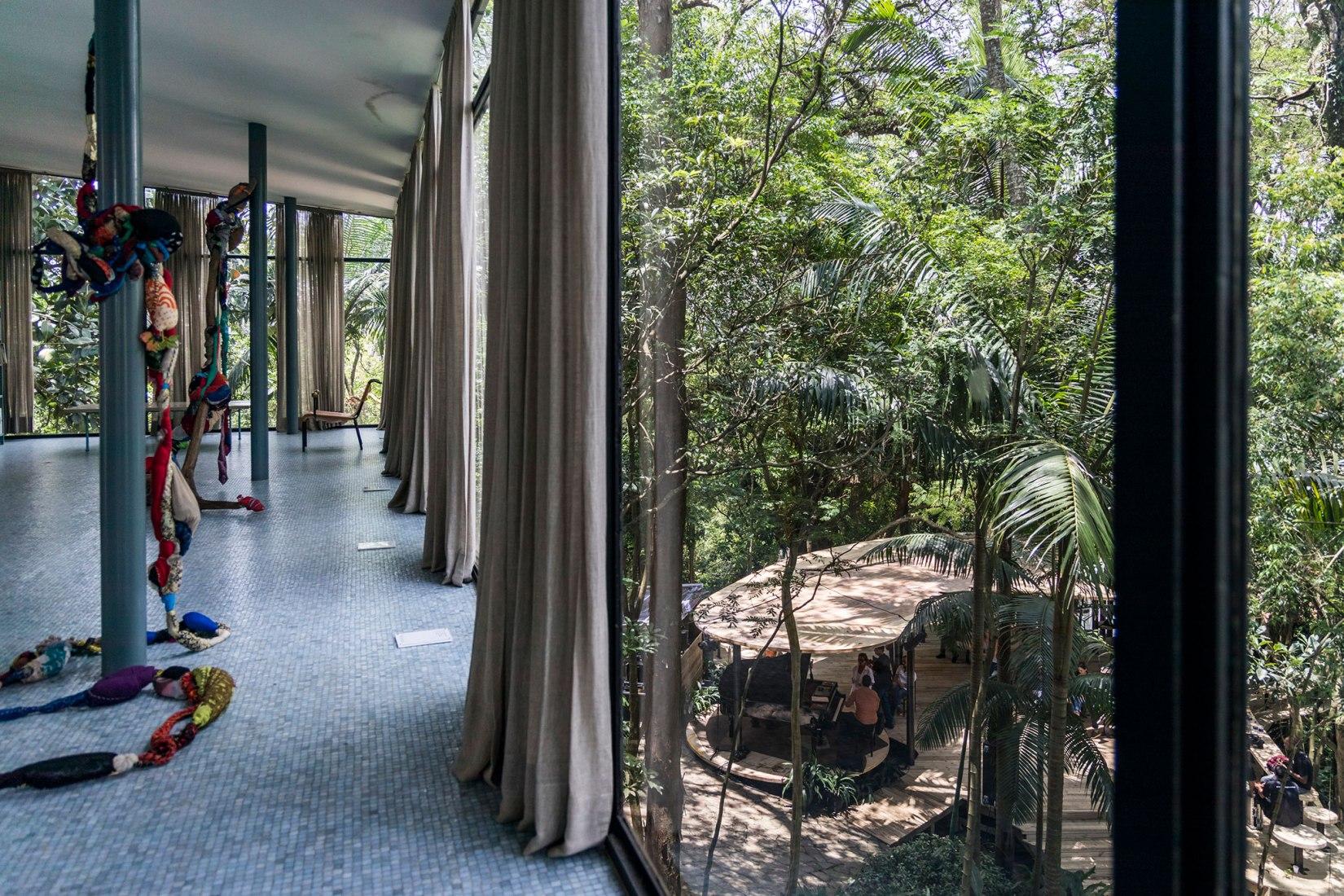 Pavilhão de Verão (Summer Pavilion) at Casa de Vidro by Raddar Architecture. Photograph by Simon Plestenjak