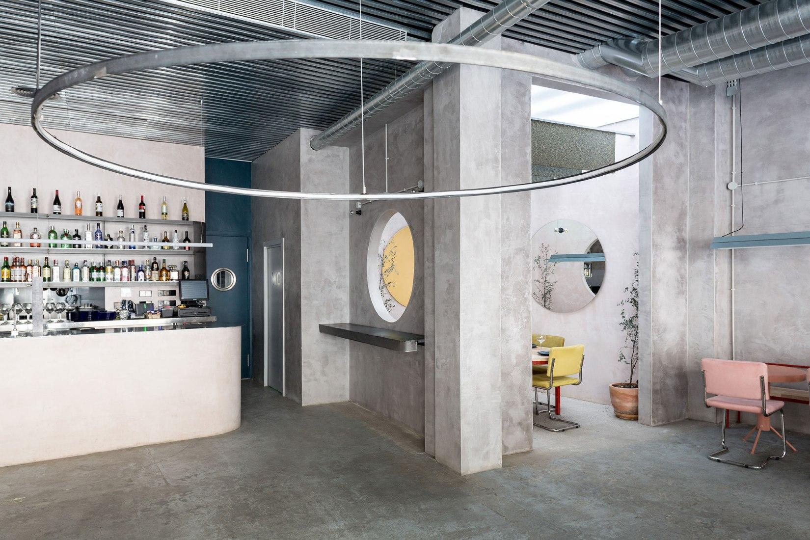 Vista interior. Restaurante Casaplata por Lucas y Hernández-Gil. Fotografía © Juan Delgado