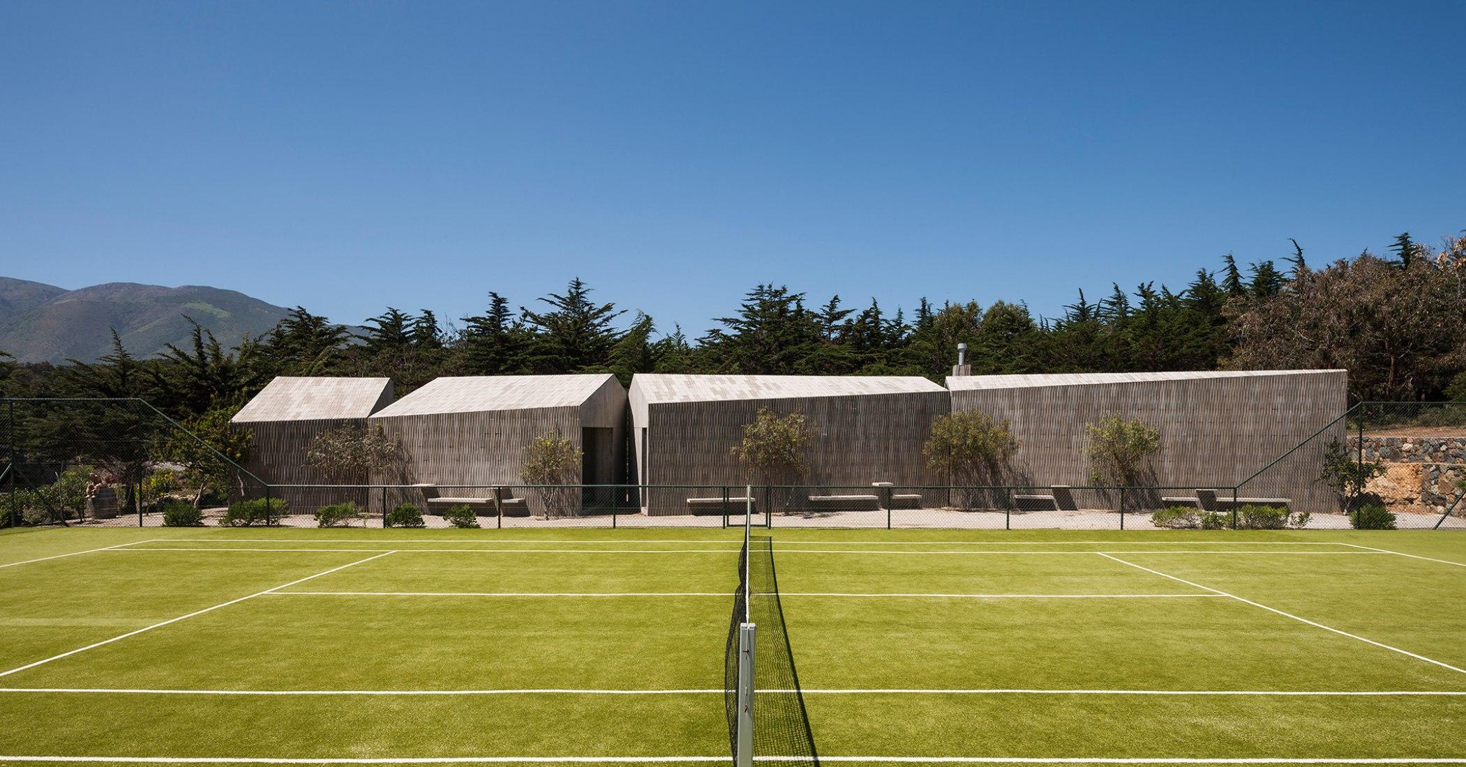 Bahía Azul House, Four Uses Pavilion by Felipe Assadi and Francisca Pulido. Photograph © Fernando Alda