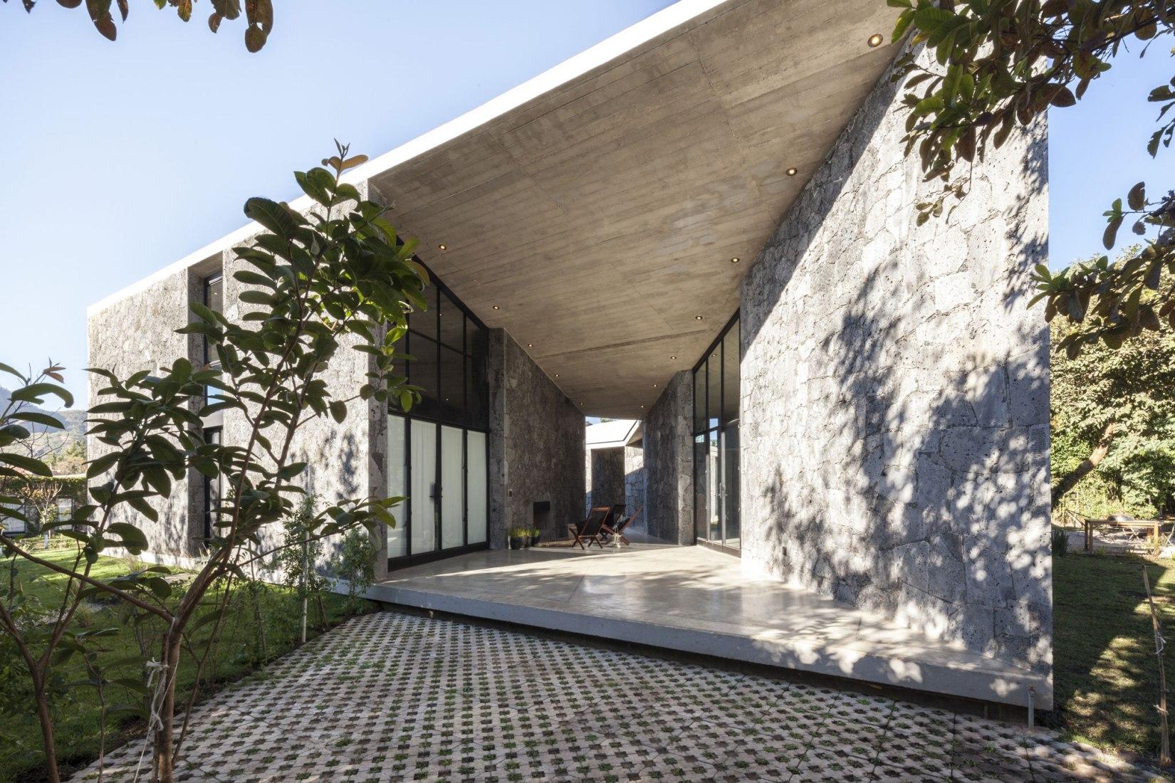 MA House by Cadaval & Solà-Morales. Image © Sandra Pereznieto