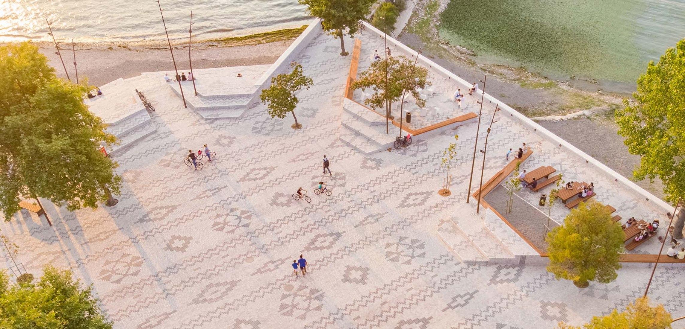 Albanian Carpet por Casanova + Hernandez Architects. Fotografía por E. Zhabjaku