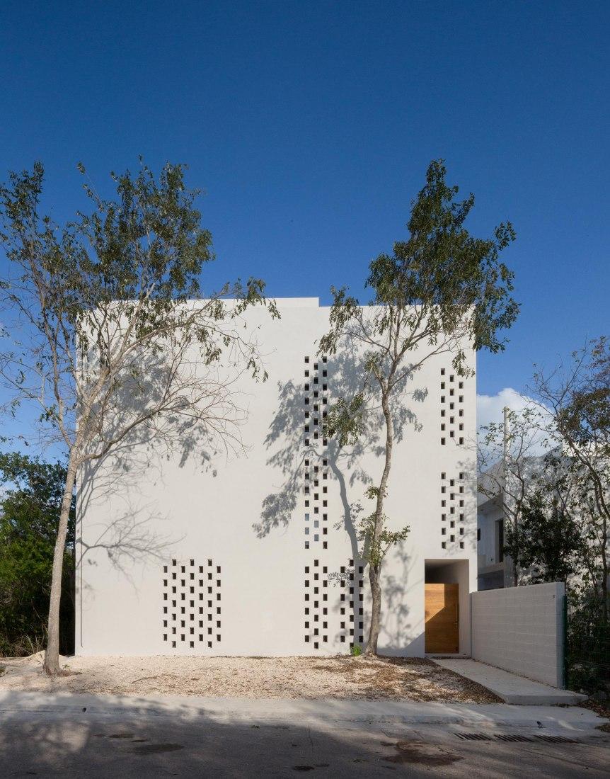 Casa PM por Cadaval & Solà-Morales. Fotografía por Sandra Pereznieto