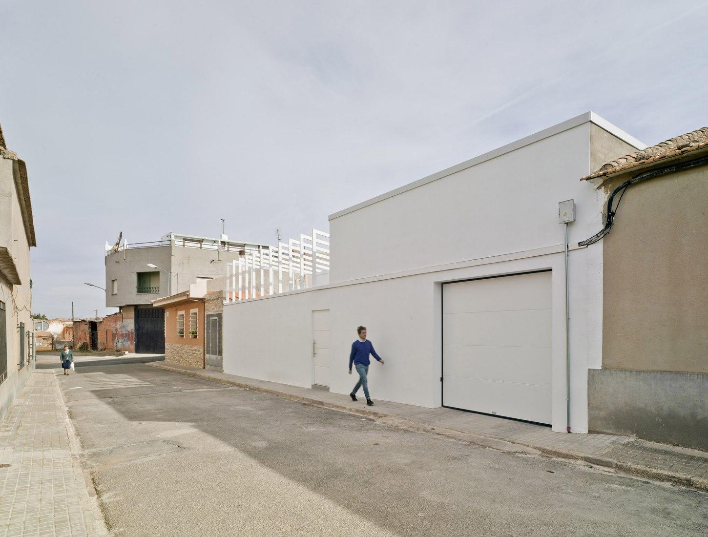 Acceso. Casa Zagua por CODA arquitectura. Fotografía © David Frutos