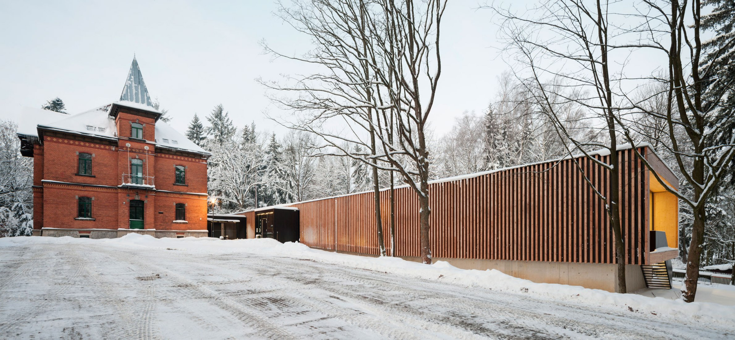 Community center in Selb by Beer Architektur Städtebau. Photograph by Fernando Alda.