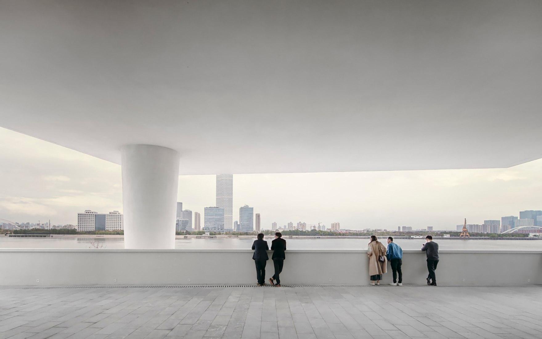 Centre Pompidou x West Bund Museum por David Chipperfield Architects. Fotografía por Simon Menges