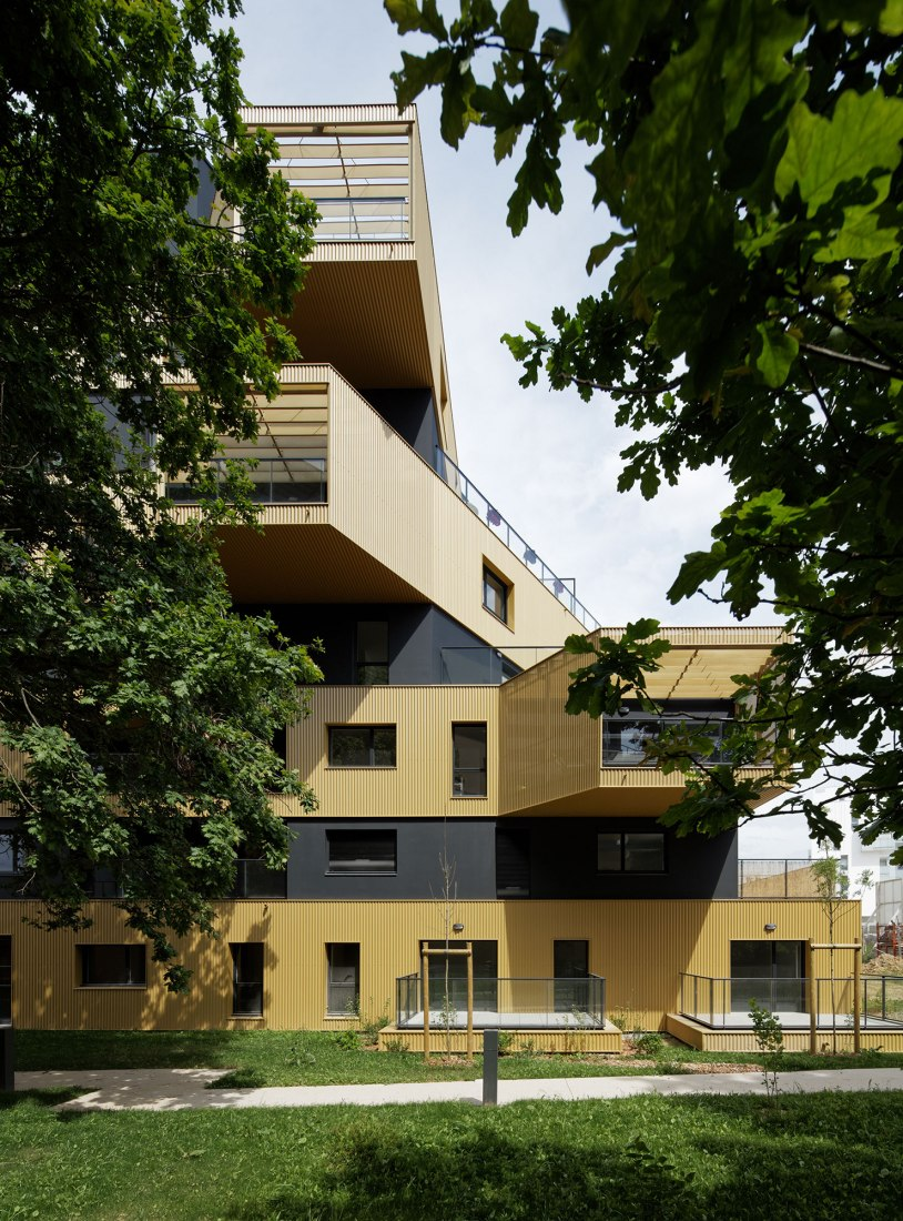 L'Equatoria Logements by Christophe Rousselle. Photograph by Takuji Shimmura