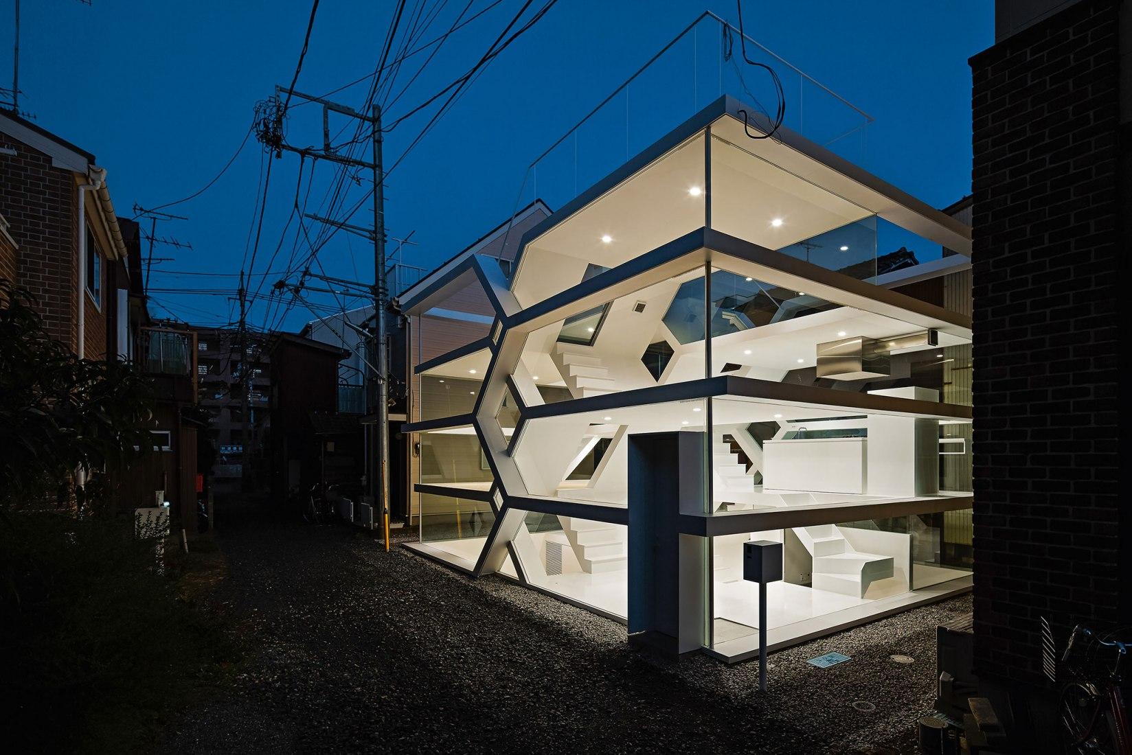 Yuusuke Karasawa - S-House, Omiya, Saitama, Japón, 2013. Contemporary Japanese Architecture por Philip Jodidio. Fotografía por © Koichi Torimura.