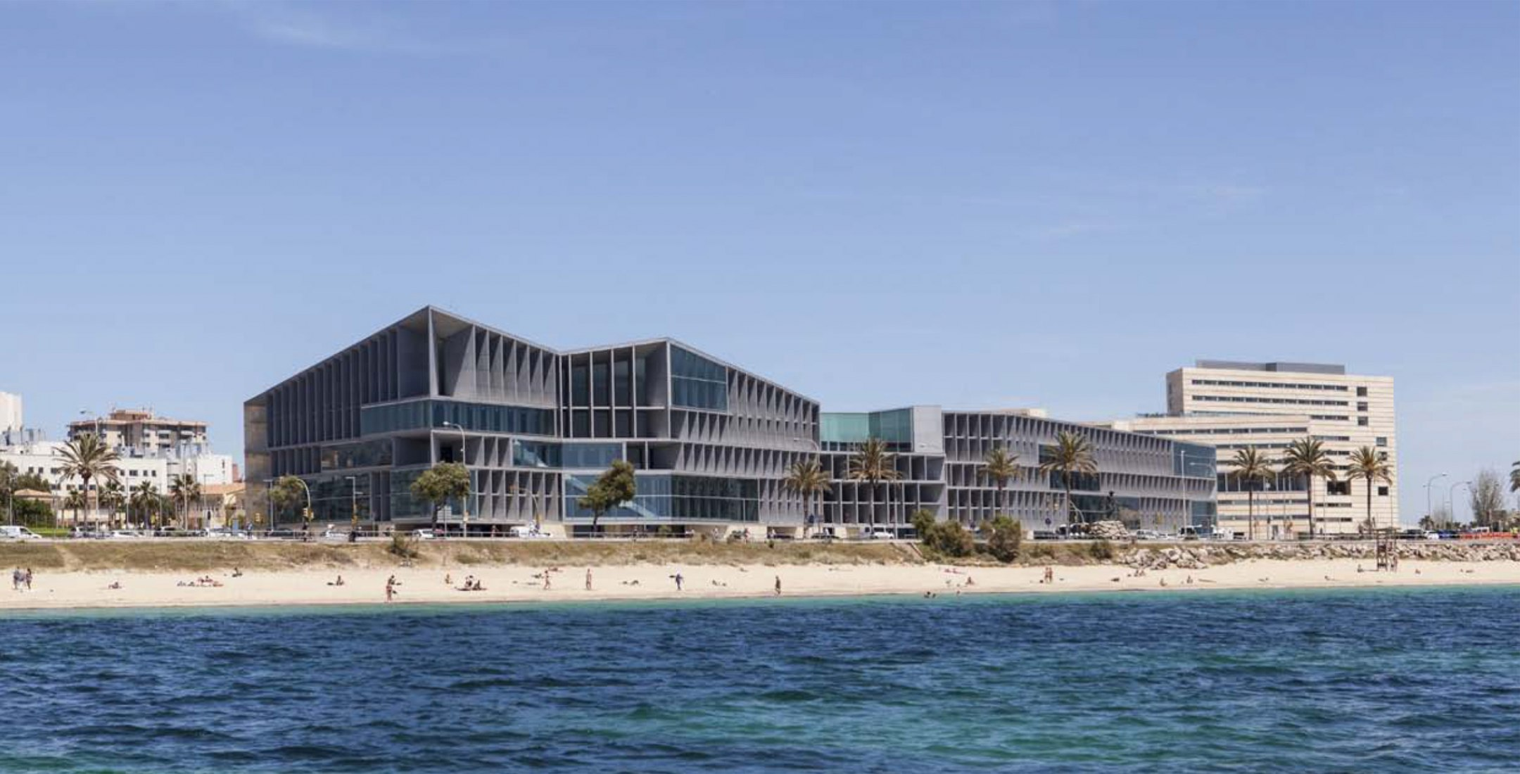Palace of Congresses and Hotel. Palma de Mallorca. Authors: Francisco Mangado - Mangado y Asociados. Presented by the Official School of Architects Vasco Navarro. Photography by Juan Rodríguez. Image courtesy of CSCAE.