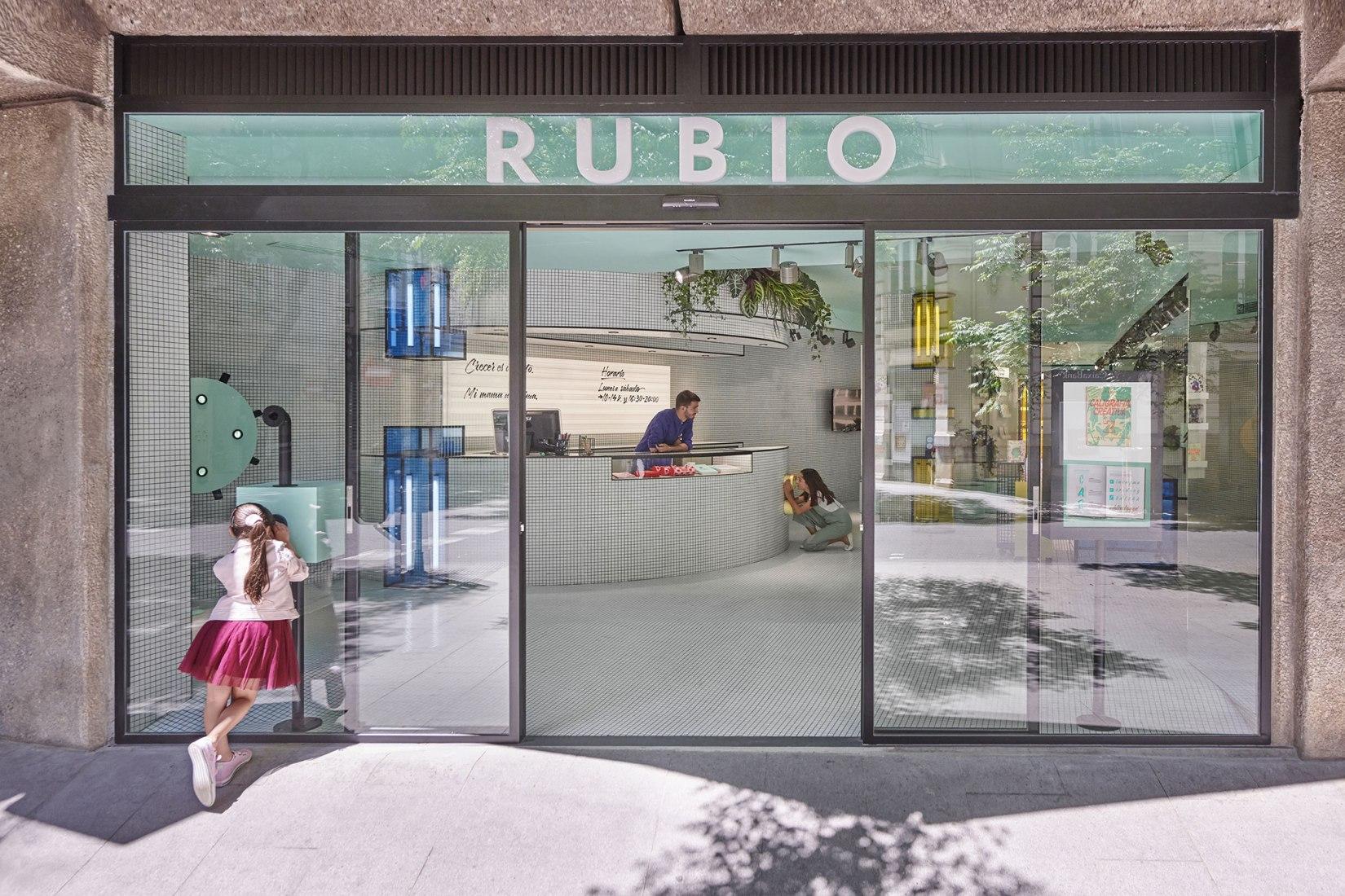 Tienda insignia RUBIO por Masquespacio. Fotografía por Luis Beltrán.