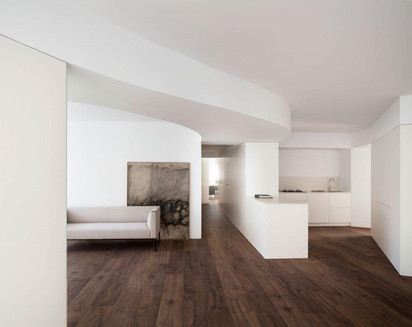 GVFC Apartment by Balzar Arquitectos. Photograph by David Zarzoso.