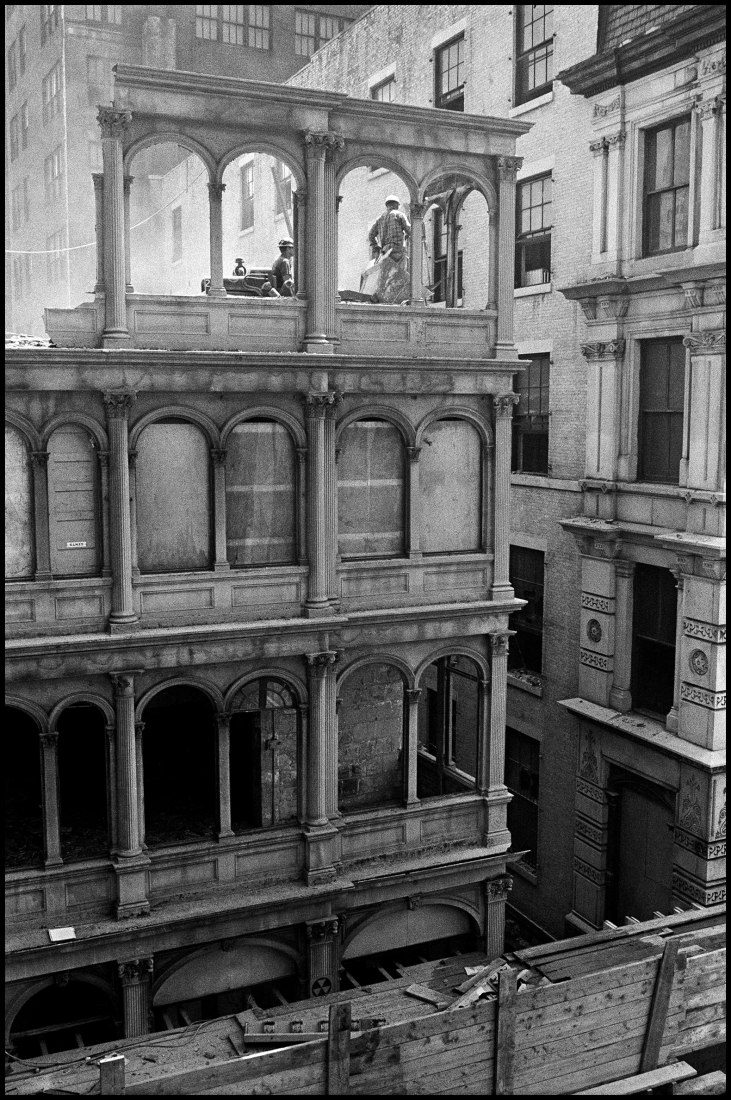 Lifting a burner to cut the bolts of the cast iron facade of no. 82 Beekman Street, 1967 by Danny Lyon. / © Danny Lyon / Magnum Photos. Courtesy ICO Museum