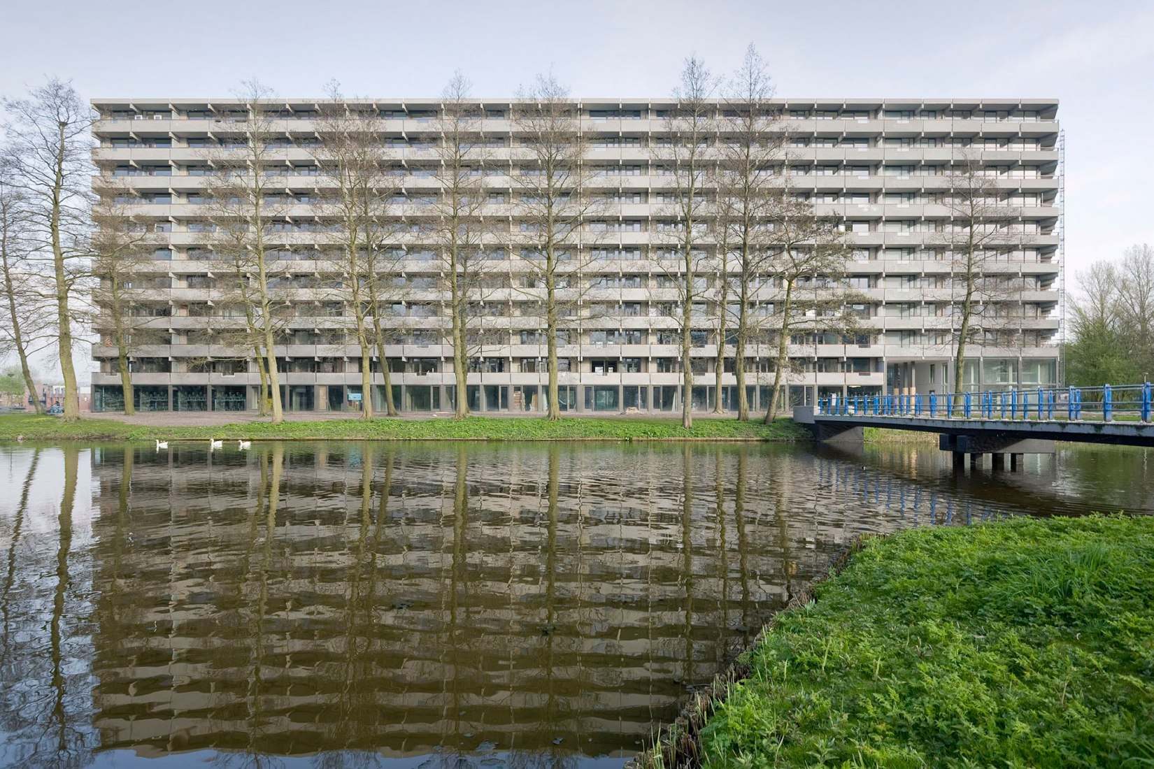 Bijlmermeer remodelation, deFlat Kleiburg by NL Architects and XVW architectuur. Photograph © Marcel van der Brug