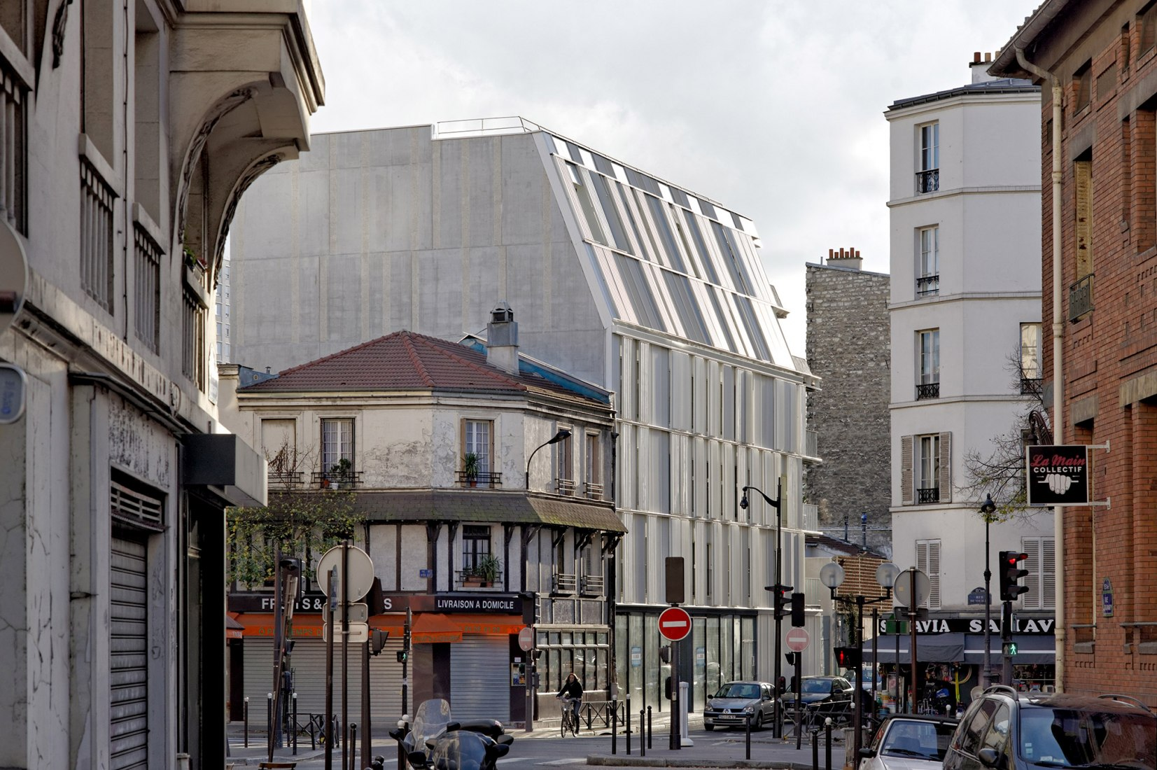 North View. 10 social housing units Paris 15e by Dietmar Feichtinger Architectes. Photograph © David Boureau.