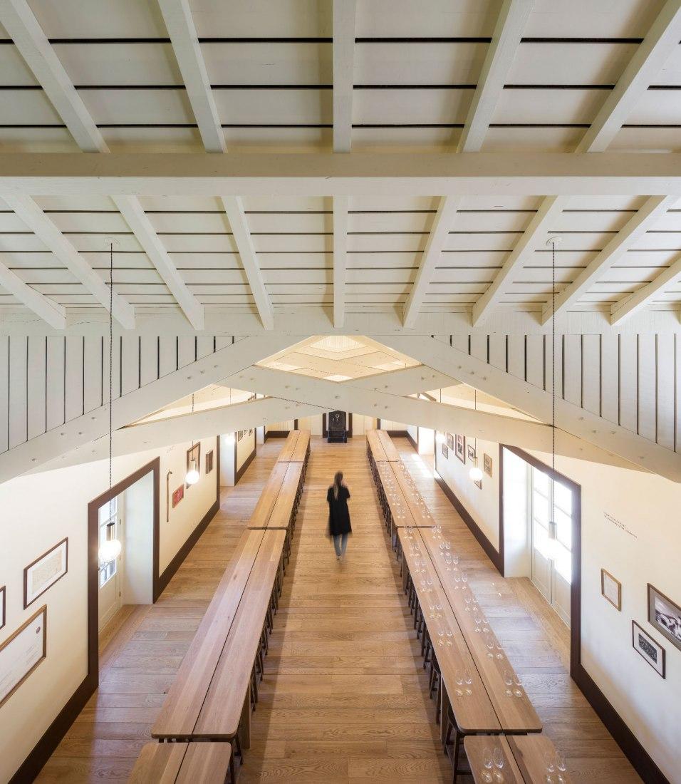 Edificio de Enoturismo por Diogo Aguiar Studio. Fotografía por Fernando Guerra.