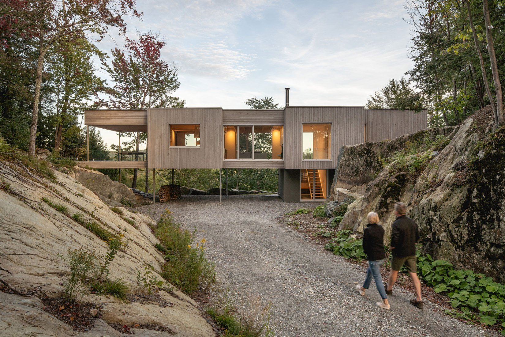Forest House I by Natalie Dionne Architecture. Photograph by Raphaël Thibodeau